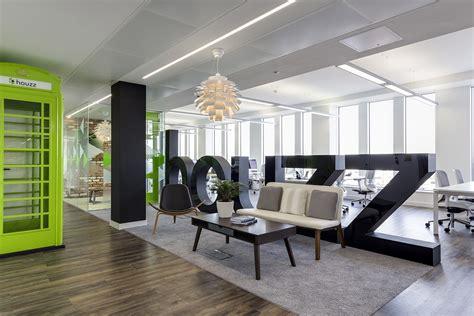 bureaux open space a tour of houzz s european headquarters officelovin 39