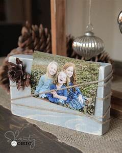 Créer Un Cadre Photo : cr er un cadre photo avec du bois recycl voici 18 id es deco ~ Melissatoandfro.com Idées de Décoration