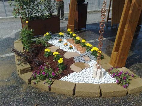 giardini con aiuole risultati immagini per giardini con aiuole e sassi su