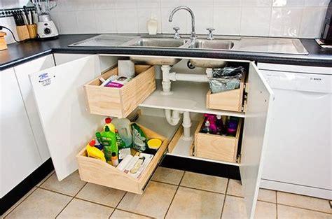 comment ranger la cuisine comment ranger sous le lavabo de la cuisine voici 15