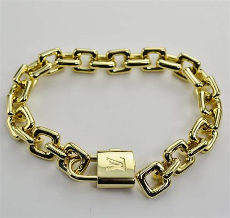 Louis Vuitton Solid 18k Gold Charm Bracelet With Purse. 14kt Chains. Anklet Shop. Making Diamond. 24k Gold Medallion. Black And White Engagement Rings. Fat Engagement Rings. Solid Sterling Silver Bangle Bracelets. Cactus Pendant