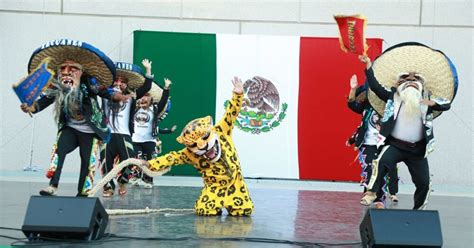 'El Grito' Mexican Independence Day celebration kicks off ...