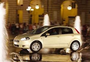 Assurance Fiat Grande Punto : fiche technique fiat grande punto 1 2 8v 65 team 2007 fiche technique n 108585 ~ Gottalentnigeria.com Avis de Voitures