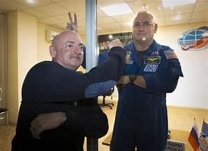 Twin fools NASA: Twin Plays Prank At Brothers Launch ...