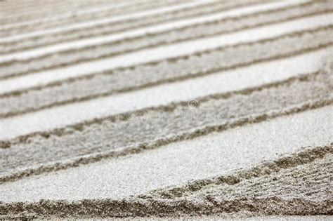 zen garden sand pattern giardino sabbia raked della portland tuin zand stones traditional japanese alamy