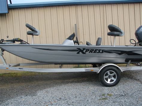 Xpress Boat Paint Colors by Bass Boats For Sale