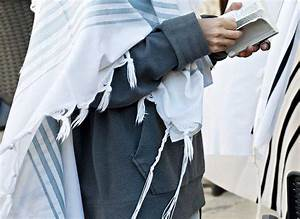Can Women Wear Tzitzit and Tefillin? | Discover | First ...