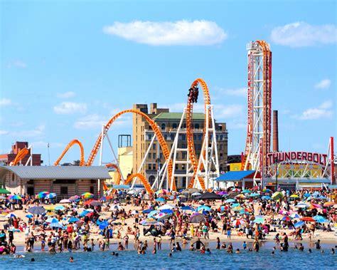 Tomorrow: 500 Coney Island Summer Jobs For Locals - BKLYNER