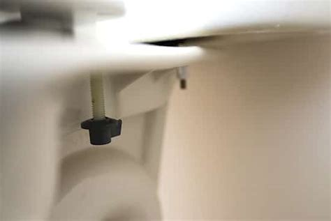 comment nettoyer les 201 claboussures de pipi sur la cuvette des wc facilement