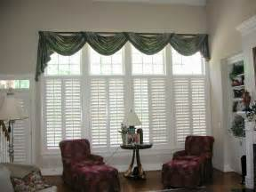 Living Room Curtain Ideas For Bay Windows by Living Room Modern Window Treatment Ideas For Living