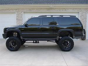 2003 Chevrolet Suburban  21 000
