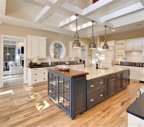 kitchen cabinets in bathroom 25 best ideas about kilim beige on beige 6119