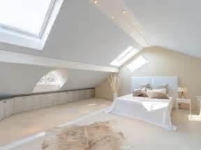 tapete schlafzimmer schrge wohnideen schlafzimmer mit schrge usblife info