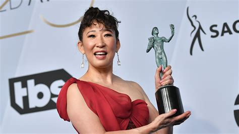 sandra oh acceptance speech sandra oh thanked someone pretty surprising in her sags