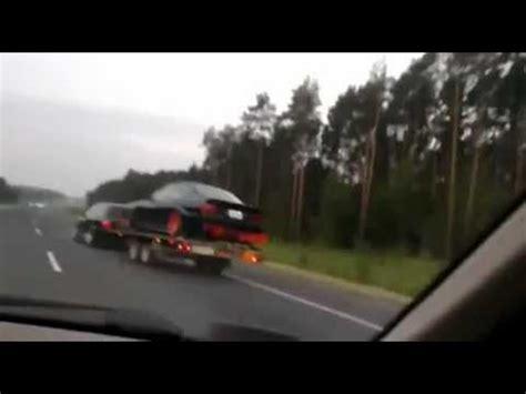 monkey  accident de voiture sur lautoroute car