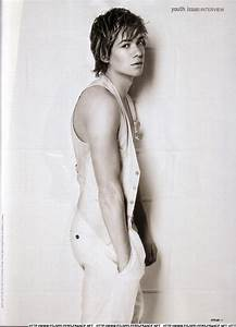 Picture of Ed Speleers
