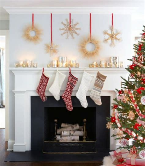 decoration de noel pour  interieur en rouge design feria