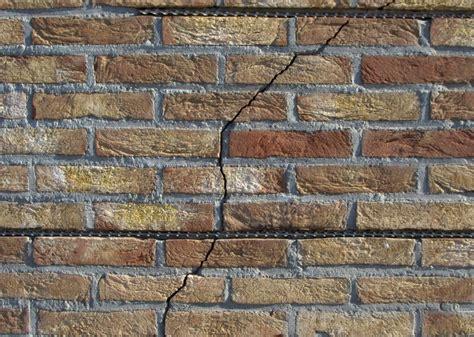 Schuur In Muur Repareren by Buitenmuur Zelf Repareren Mijnkluswijzer