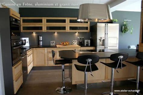 cuisine bois et noir déco cuisine noir et bois