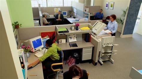 bureau d ude recrutement bureau et si la productivité dépendait de voisin