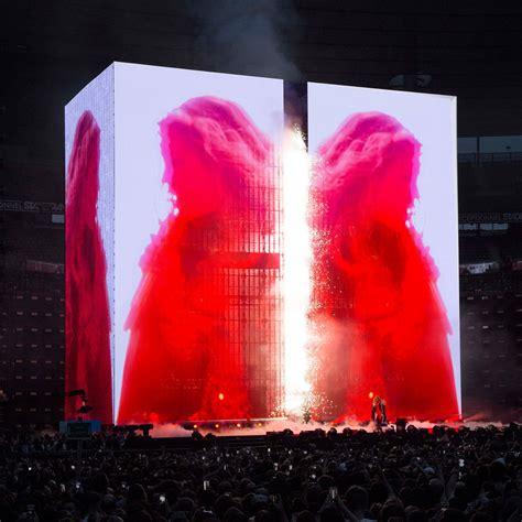 es devlin  touring stadium rock show   formidable