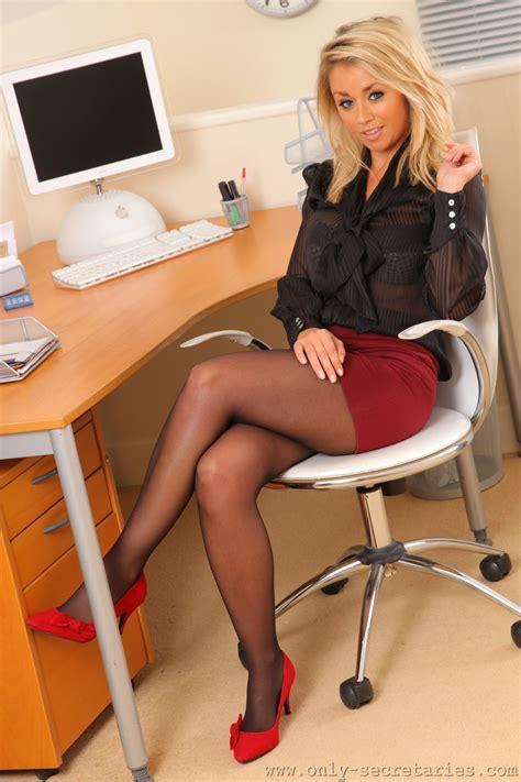Pin Auf Office Secretary Fantasy