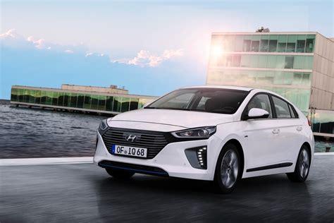2017 Hyundai Ioniq Hybrid Review - autoevolution