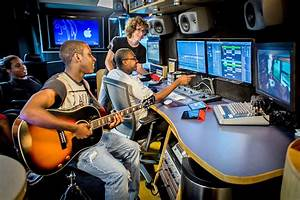 Lennon Bus Brings Pro Tools To Florida Students