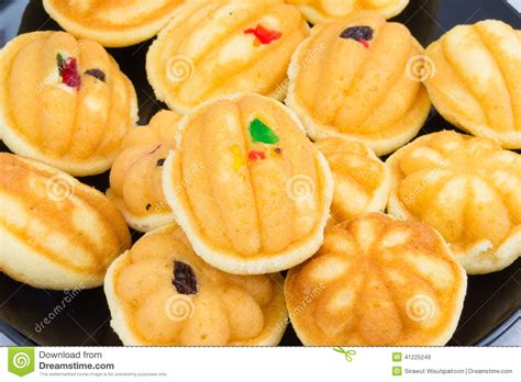 dessert avec raisin sec dessert tha 239 raisin sec de g 226 teau d oeufs photo stock image 41225249