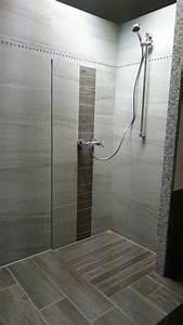 Dusche Bodengleich Fliesen : bodengleiche dusche sch n pinterest fliesen badezimmer und sch ner ~ Markanthonyermac.com Haus und Dekorationen