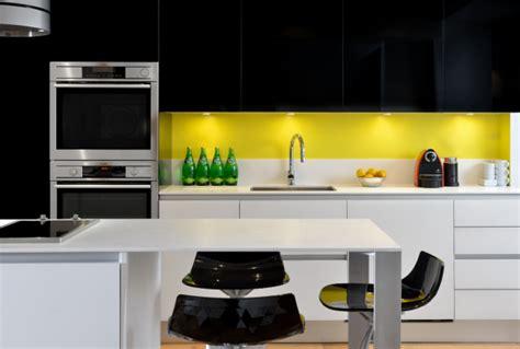 cuisine jaune cuisine jaune et cuisine nous a fait à l