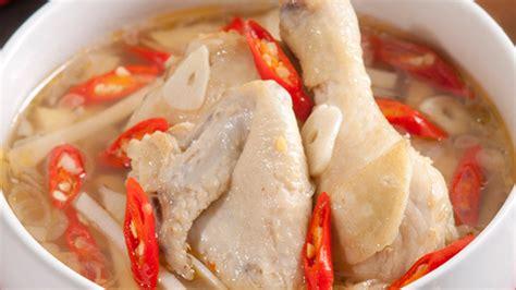 Banyaknya rempah pada suatu masakan akan membuat makanan lebih lezat. Ayam Kuah Pedas