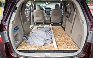 2014 honda odyssey touring elite is the trunk floor really flat