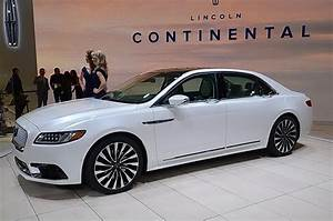 Continental Auto : 2017 lincoln continental new flagship from detroit video the fast lane car ~ Gottalentnigeria.com Avis de Voitures