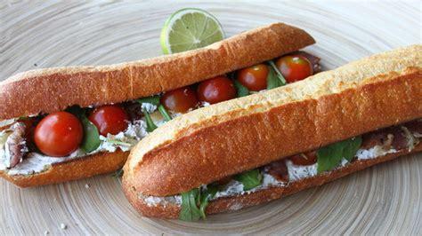 cuisiner les tomates cerises nouveau sandwich le rocamadour à la brioche dorée
