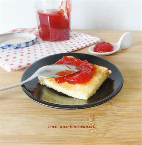 desserts avec des fraises aux fourneaux