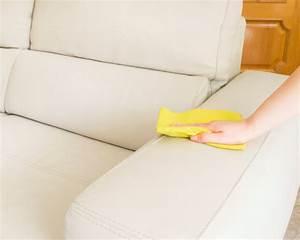 Weißes Kunstleder Reinigen Hausmittel : wei es kunstleder sofa reinigen so wird es richtig sauber ~ Watch28wear.com Haus und Dekorationen