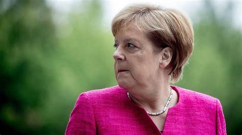 Angela merkel schrieb 2005 mit der ernennung zur bundeskanzlerin deutschlands als erste frau im amt geschichte und hält diesen posten bis heute. Angela Merkel: Ist heute der Tag, der über ihr Schicksal ...