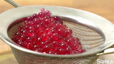 la cuisine moleculaire le caviar de grenadine la recette de cuisine moléculaire