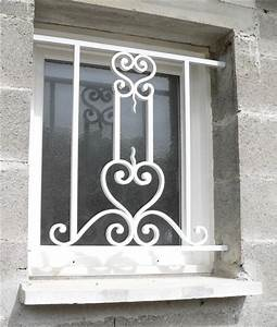 Metal et steel ferronnerie et decoration interieure for Grille de protection pour porte fenetre