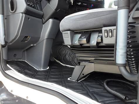 Interni Scania R - tappeti e copricofano per scania streamline in similpelle