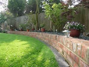 Garden design build in wiltshire gloucestershire for Brick garden edging ideas