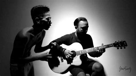 Fana Merah Jambu (unplugged)