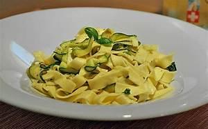 Zucchini Nudeln Schneider : zucchini zitrone nudeln rezept mit bild von italobavaria ~ Eleganceandgraceweddings.com Haus und Dekorationen