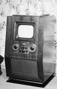 Vintage Photos Show Old Tv Sets From The 1940 U0026 39 S Through