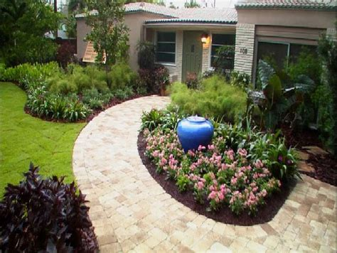low maintenance front yard design pin by kim moushon on front yard patio pinterest