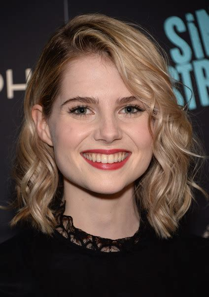 lucy boynton bra size age weight height measurements