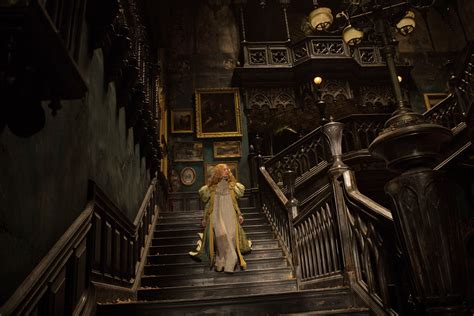crimson peak isn t a horror it s a ghost yes they re different vox