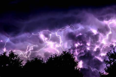 lightning and trees photo by jeremythomasphoto unsplash
