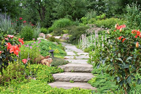 cottage garden private residence leaf mortar
